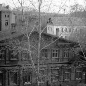 "ул. Никитина 3. Автор: Борис Ослин. 1977г. <a href=""http://tomsk-foto.tpu.ru/"" rel=""noopener noreferrer"" target=""_blank"">Источник</a>"