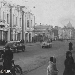 пр. Ленина 83 на общем плане улицы. 2-я половина XX в. Автор неизвестен.